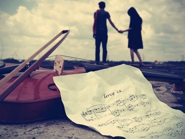 最新情侣网名: 我始终带着你爱的微笑,一路上寻找我遗失的美好【精选】