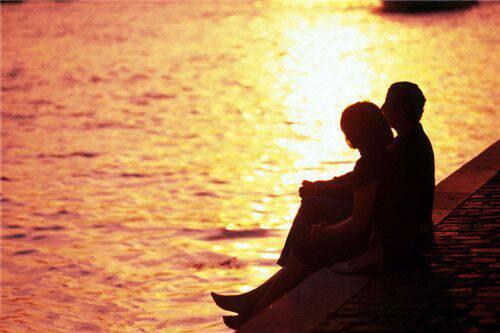 唯美qq相册名称大全_爱情唯美情侣QQ空间相册:阳光下只想和你在一起。_QQ好听网